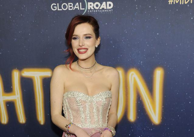 Annabella 'Bella' Thorne, cantante y actriz estadounidense