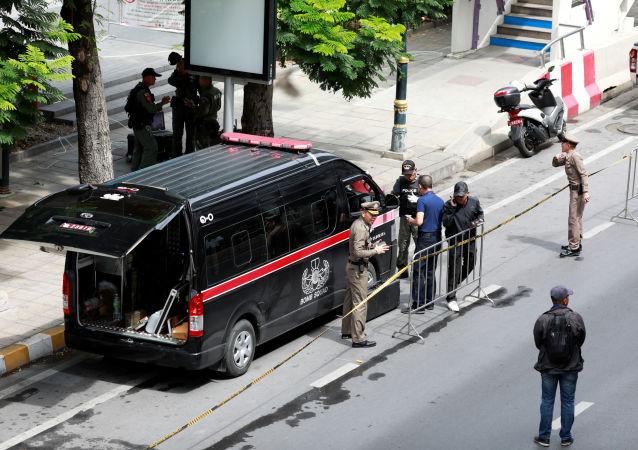 La Policía tailandesa en un lugar de explosión
