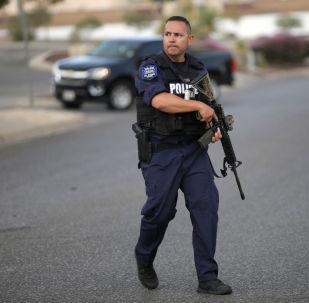 Policía en el lugar del tiroteo en El Paso