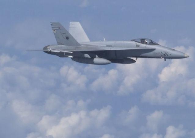 Un Su-27 espanta al F-18 español que se acercó al avión del ministro de Defensa ruso