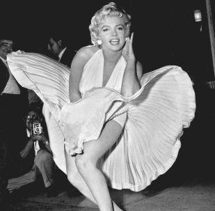 Marilyn Monroe posa sobre una rejilla del metro de Nueva York