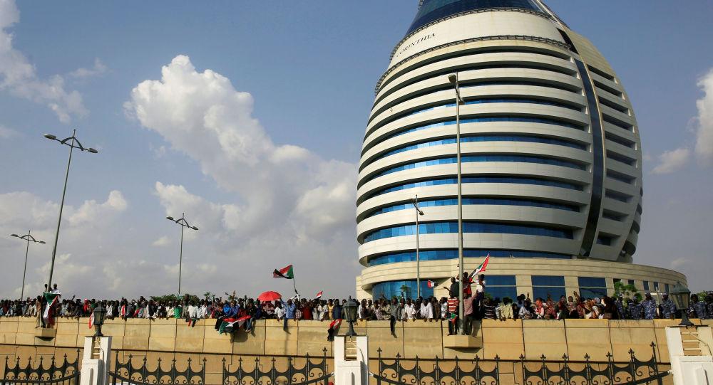 Los ciudadanos celebran el acuerdo sobre la transición en Sudán