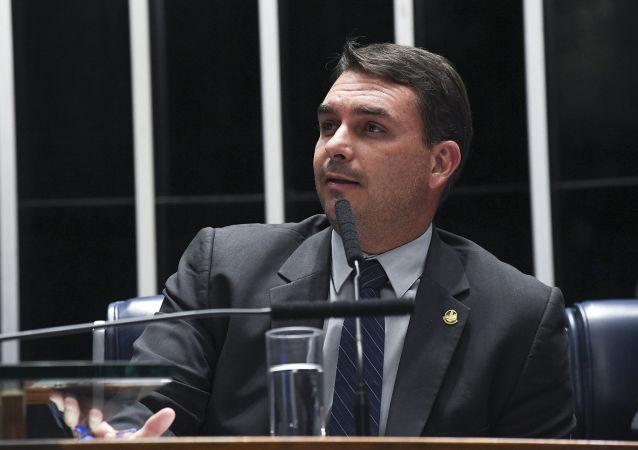 Flávio Bolsonaro, hijo de Jair Bolsonaro y senador de Brasil