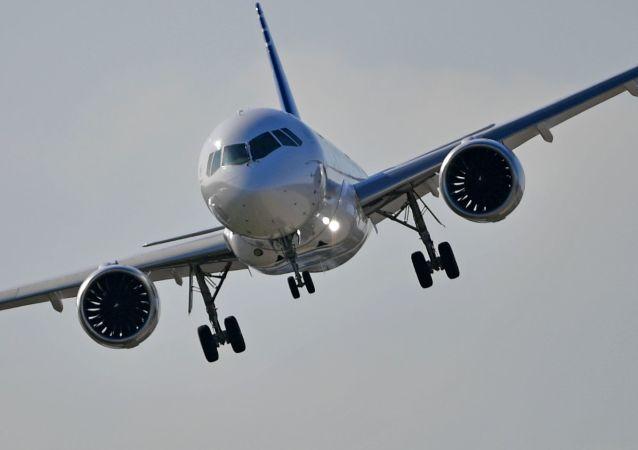 El avión de pasajeros MC-21-300