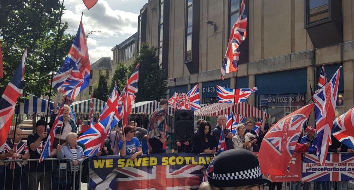 Una protesta contra la independencia de Escocia en Perth