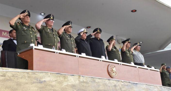 Altos mandos del Ejército mexicano observaron el ensayo del desfile cívico militar que se presentará en el Zocalo el próximo 16 de septiembre, Día de la Independencia de México