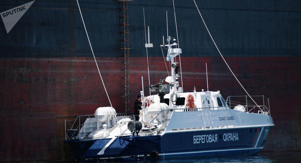Los barcos de los guardafronteras rusos