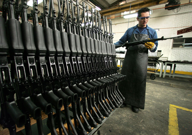 Los fusiles Galil en la fabrica colombiana Indumil