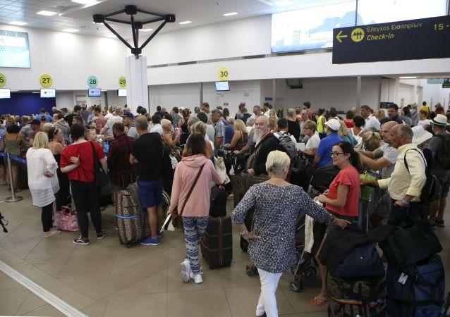 Turistas varados tras la quiebra de Thomas Cook