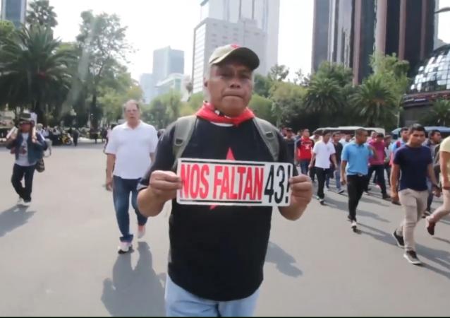 Los 43 desaparecidos de Ayotzinapa: la marcha por justicia en México
