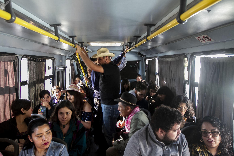 Transporte de la caravana contra los feminicidios en Ecatepec, Estado de México
