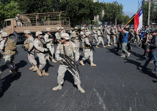 Militares durante las protestas en Chile