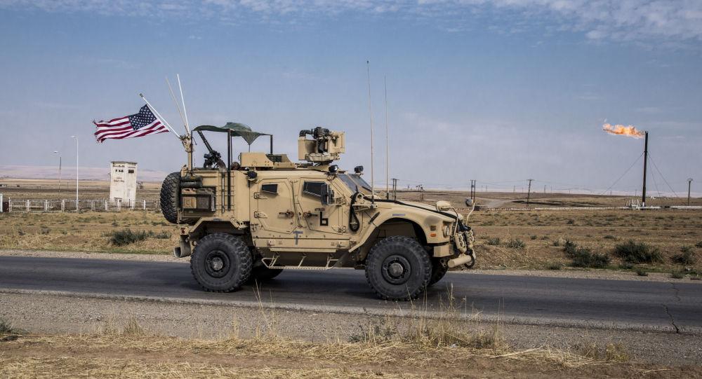 Un patrullaje de EEUU en los campo de petróleo en Siria (archivo)