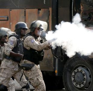 Fuerzas de seguridad haitianas, en medio de las protestas en las calles de Puerto Príncipe