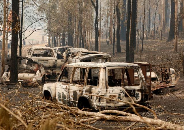 Coches quemados por los incendios forestales en Australia