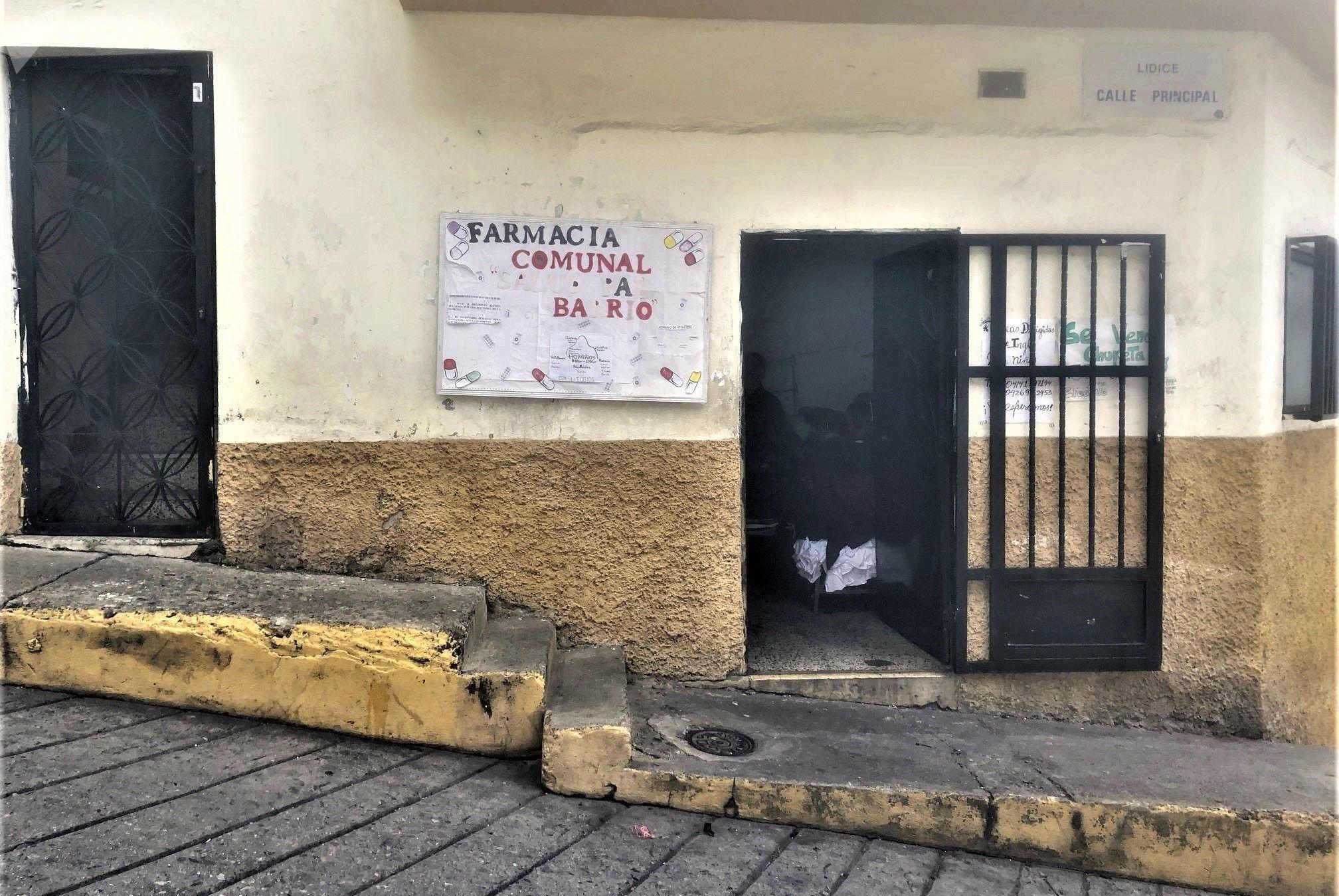 Fachada Farmacia comunal Altos de Lídice