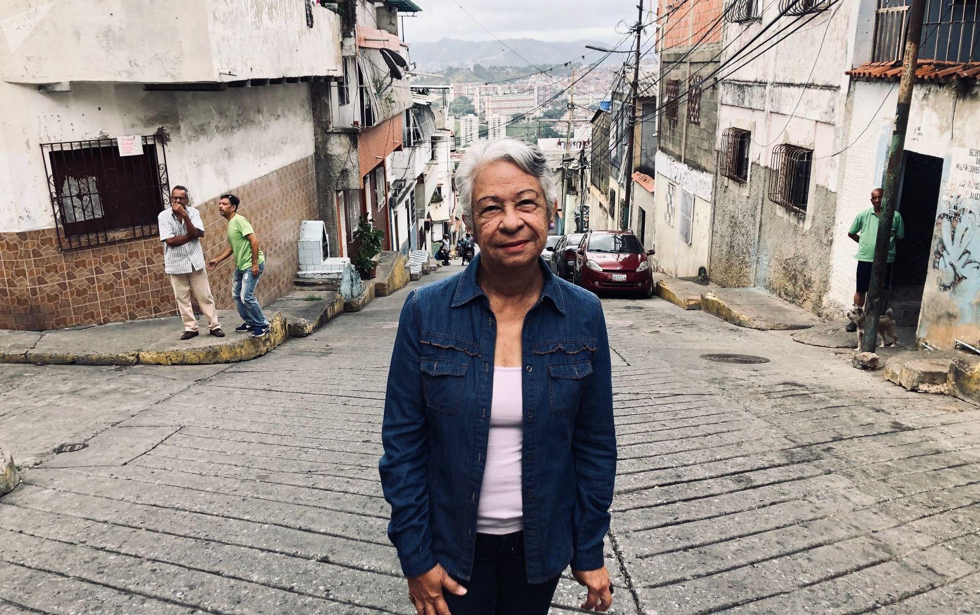 Betty Marín, contralora de la farmacia comunal y enferma de hipertensión. Puede acceder a sus medicamentos gracias a esta iniciativa.