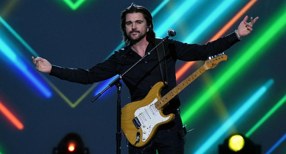 Juanes, cantante colombiano, reconocido como la Persona del Año por la Academia Latina de la Grabación