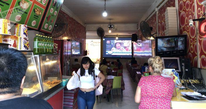 Restaurante boliviano en la zona del Mercado atiende a diario a sus compatriotas