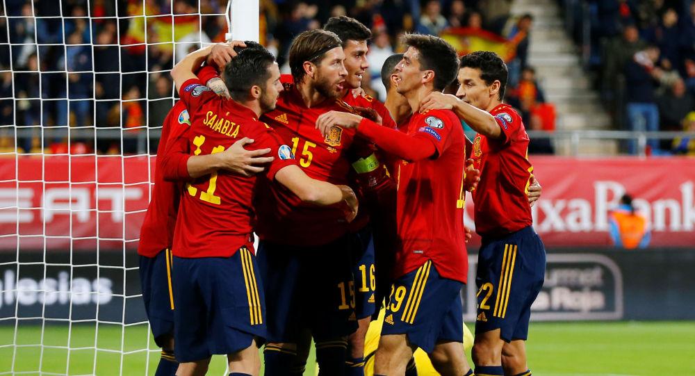 Jugadores de la Selección Española de fútbol celebrando un gol ante Malta