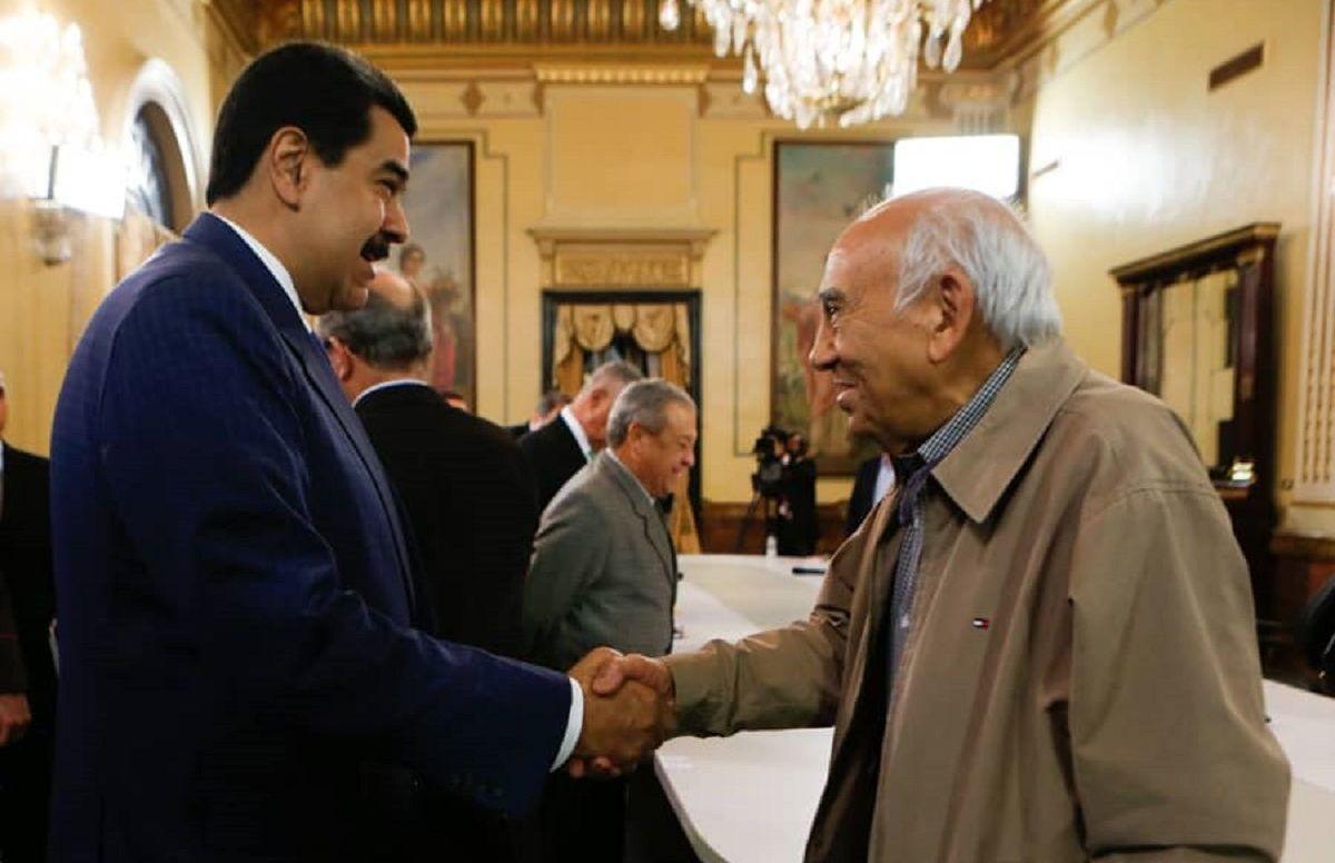 Nicolás Maduro en encuentro con integrantes de la Mesa de Diálogo Nacional en el Palacio de Miraflores