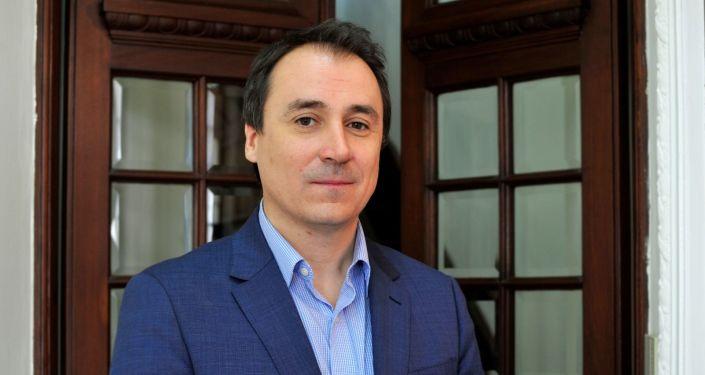 Iván Kirichenko, periodista y comunicador uruguayo, nieto de inmigrantes rusos