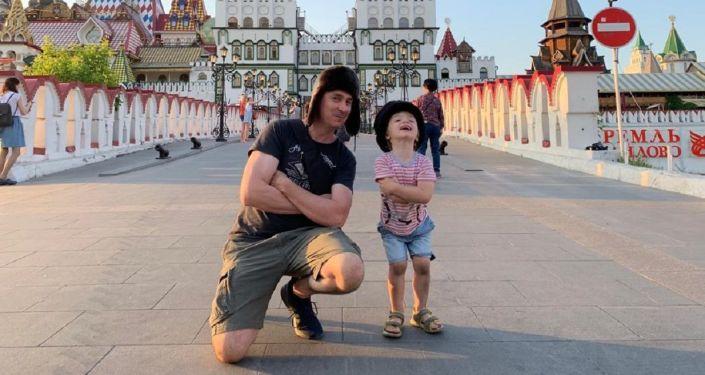 Iván Kirichenko de visita en Rusia