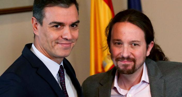 El lider del PSOE, Pedro Sánchez y el secretario general de Podemos, Pablo Iglesias
