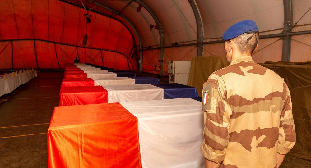 Ataúdes de los militares franceses muertos en Malí