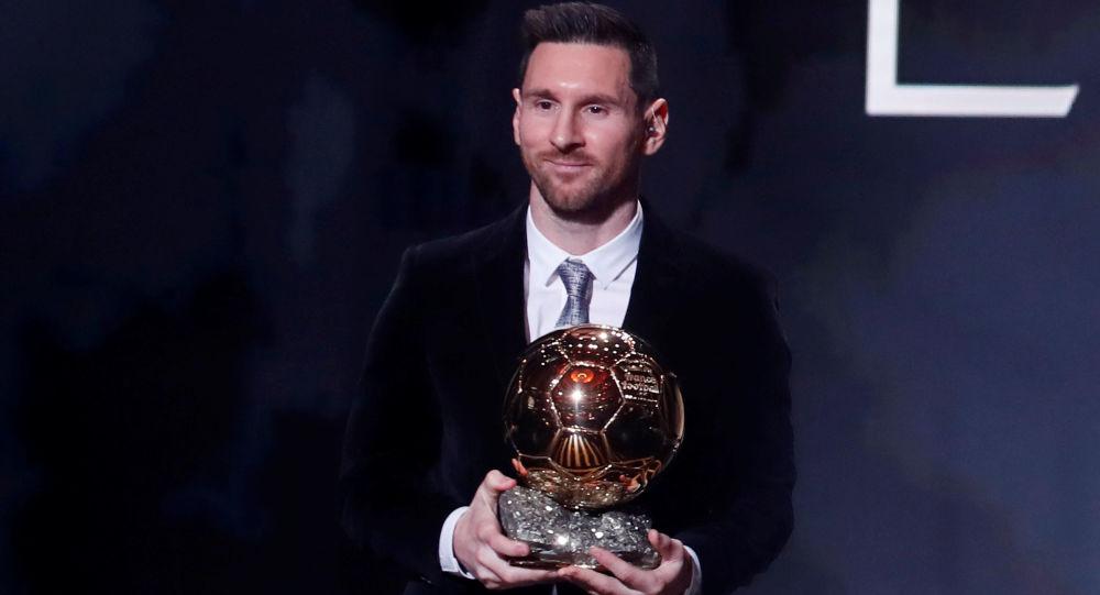 Lionel Messi, futbolista argentino, tras vencer su sexto Balón de Oro en París (Francia), el 2 de diciembre de 2019