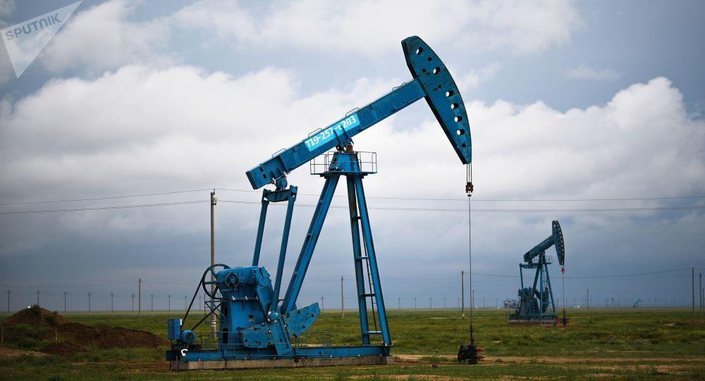 Extaracción del petróleo (imagen referencial)