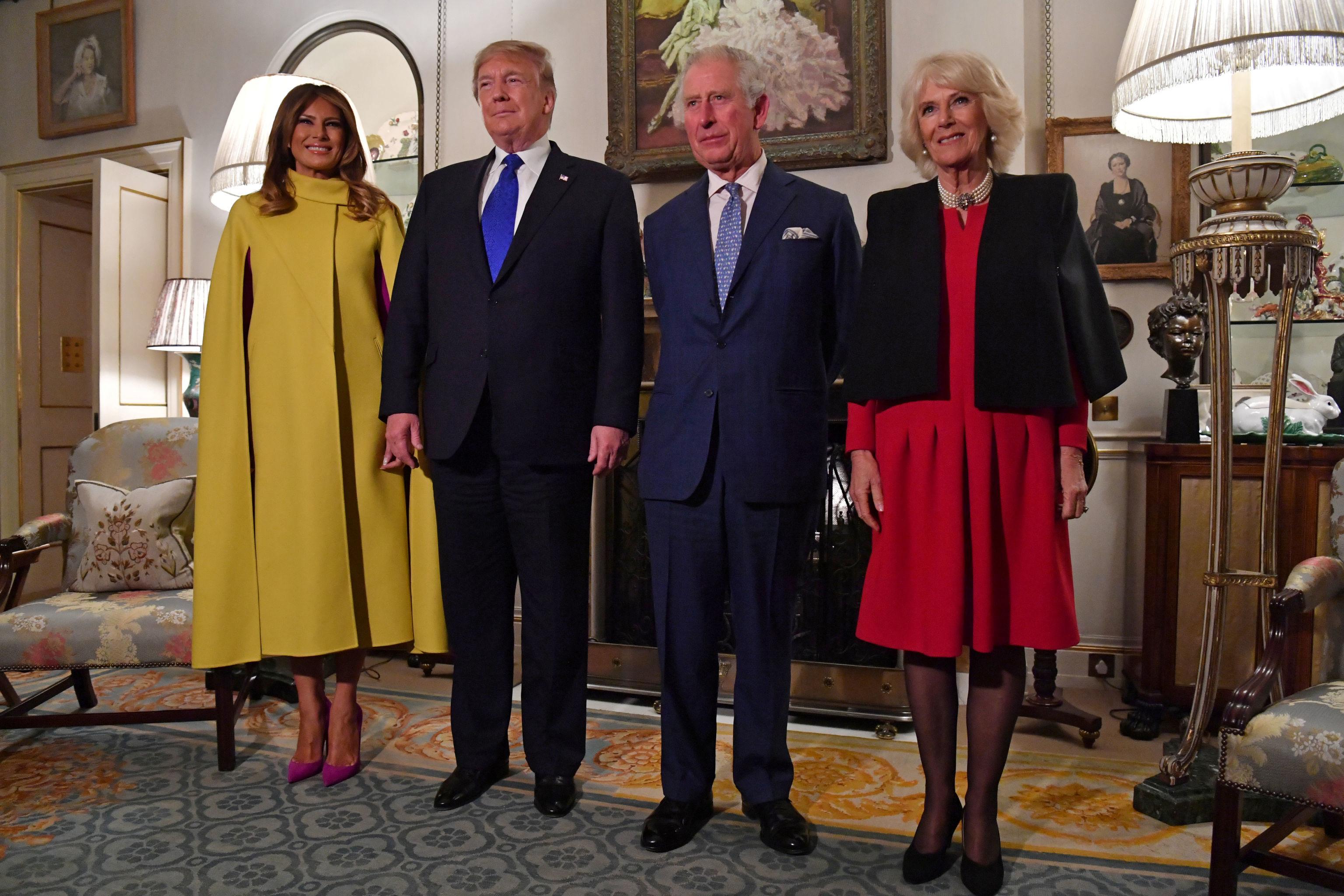 Donald Trump y Melania Trump junto al príncipe Carlos de Gales y su esposa Camilla, duquesa de Cornualles, durante la Cumbre de la OTAN en Londres