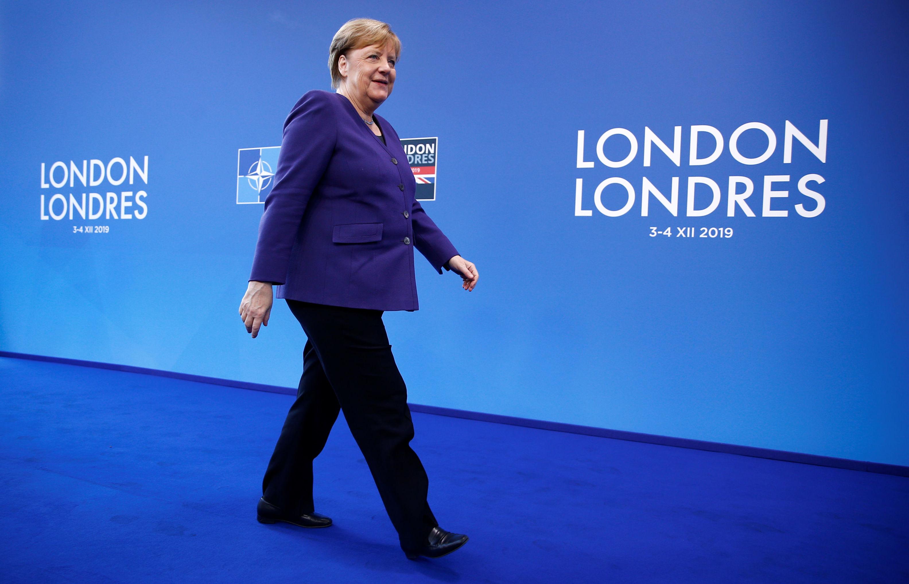 La canciller de Alemania Angela Merkel durante la Cumbre de líderes de la OTAN en Watford, Reino Unido