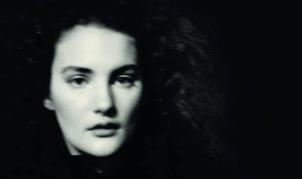Rosalía se convierte en Julieta en el calendario de Pirelli de 2020