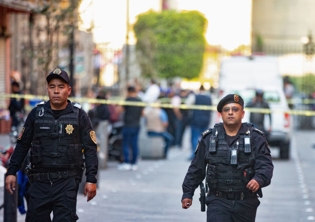 Policía de México en el lugar del tiroteo