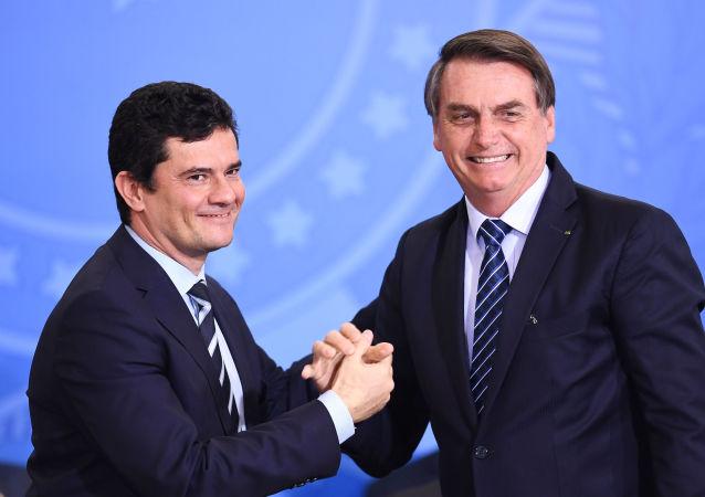 El ministro de Justicia y Seguridad Pública de Brasil, Sérgio Moro, y el presidente de Brasil, Jair Bolsonaro