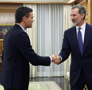 Presidente del Gobierno español, Pedro Sánchez, y el rey de España, Felipe VI