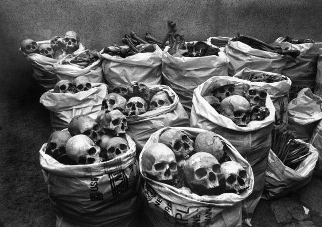 Cráneos de las víctimas del desastre de Bhopal
