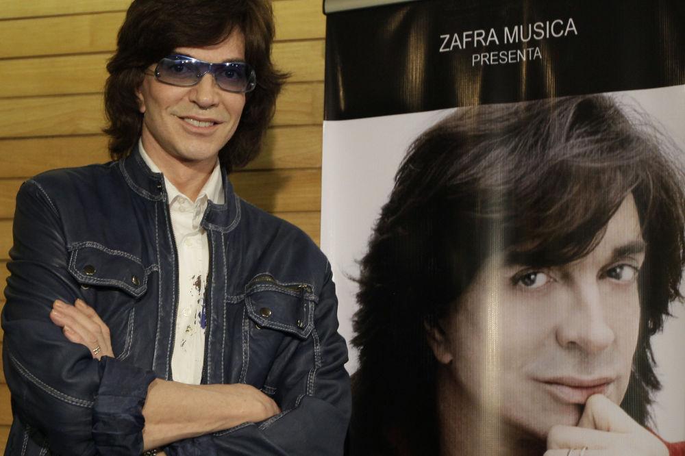 Camilo Sesta, cantante español