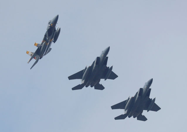 Cazas estadounidenses F-15 (archivo)