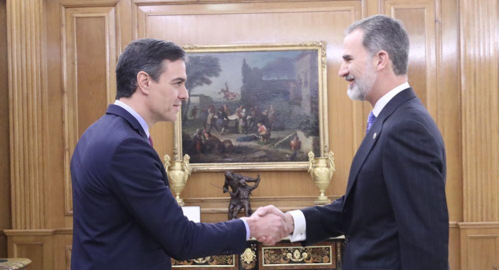Pedro Sánchez, el presidente del Gobierno español, y Felipe VI, el rey de España