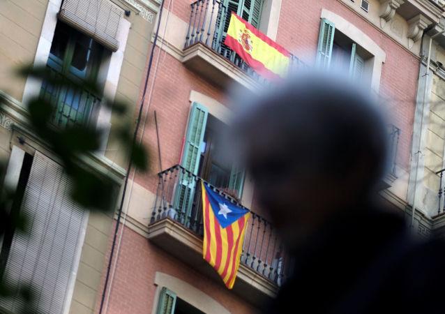 Bandera de España y Cataluña
