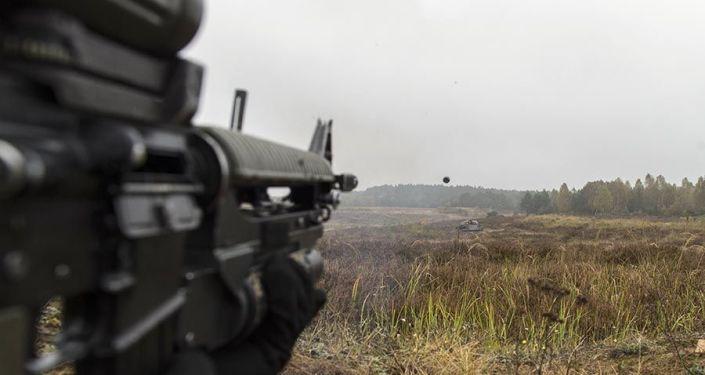 Los investigadores militares canadienses están estudiando cómo la tecnología láser podría permitir a los soldados ser más precisos al utilizar los lanzagranadas