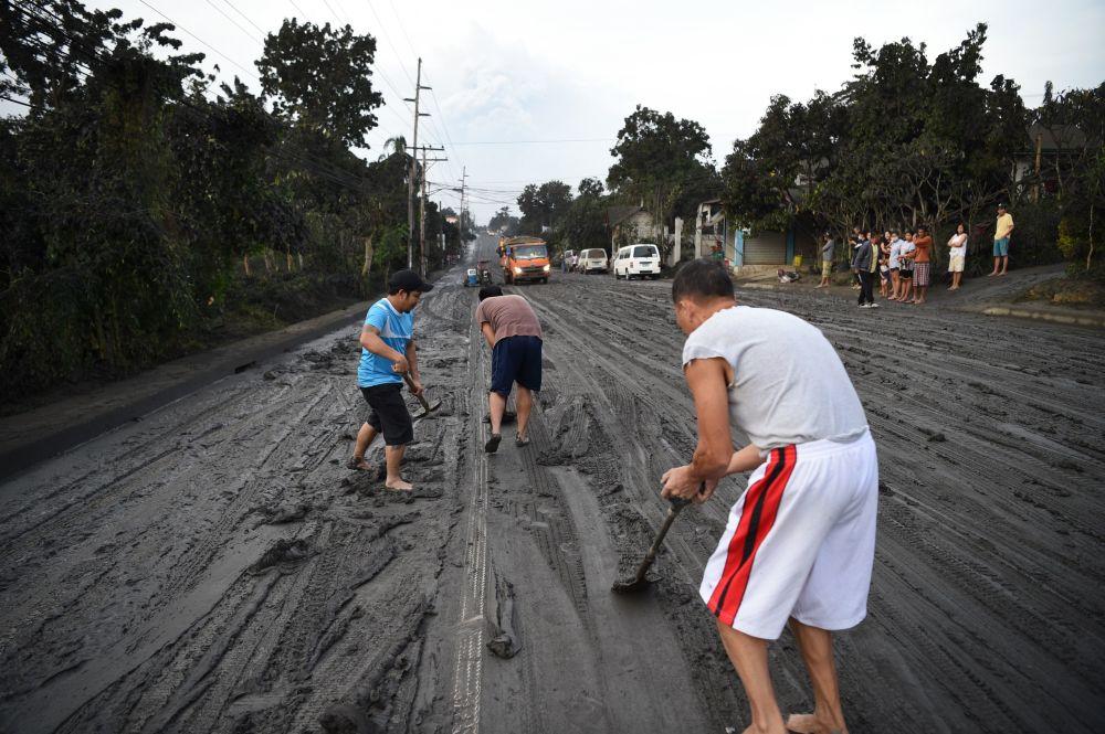 Cenizas, fuego y lava: así fue la espeluznante erupción del volcán Taal