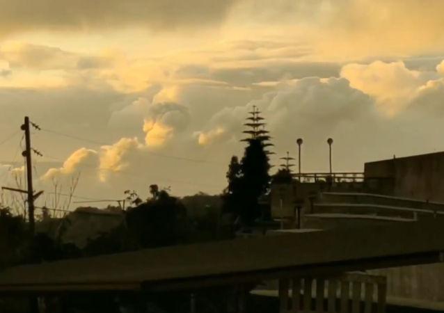 Un espectacular 'timelapse' de la erupción del volcán filipino Taal