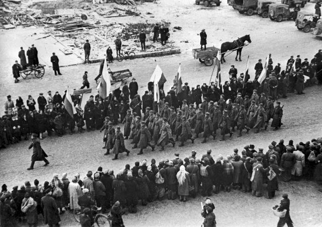 Liberación de Varsovia (archivo, 1945)
