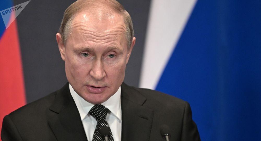 La Duma aprueba por unanimidad la reforma constitucional de Putin