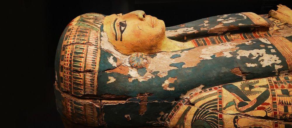 Un sarcófago de una momia egipcia