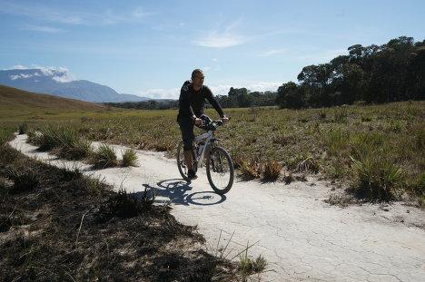 Recuerdos de un viaje en bicicleta desde la Patagonia hasta Alaska
