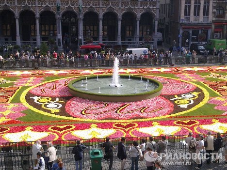 Alfombra floral en la plaza mayor de Bruselas